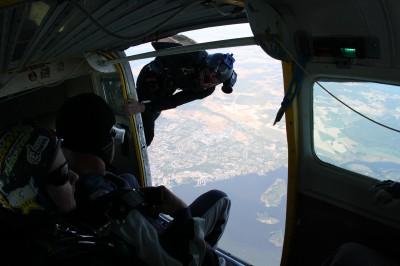 Fallskärmshopp från 4000m, innan uthopp